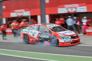 TTA Toyota Team Argentina en Termas pruebautosport.jpg (3)
