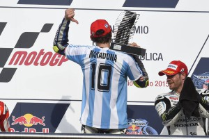 piloto Movistar Yamaha MotoGP Valentino Rossi victoria en GP Rep Argentina._www.pruebautosport.com (2)
