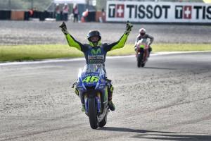 piloto Movistar Yamaha MotoGP Valentino Rossi victoria en GP Rep Argentina._www.pruebautosport.com (4)
