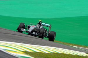 Nico-Rosberg-pole-en-Brasil-700x467