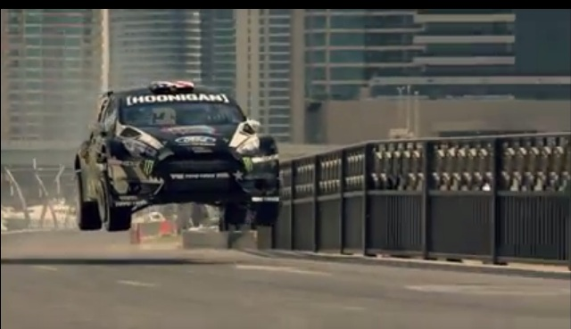 Ken Block | el circense piloto en Dubai – video