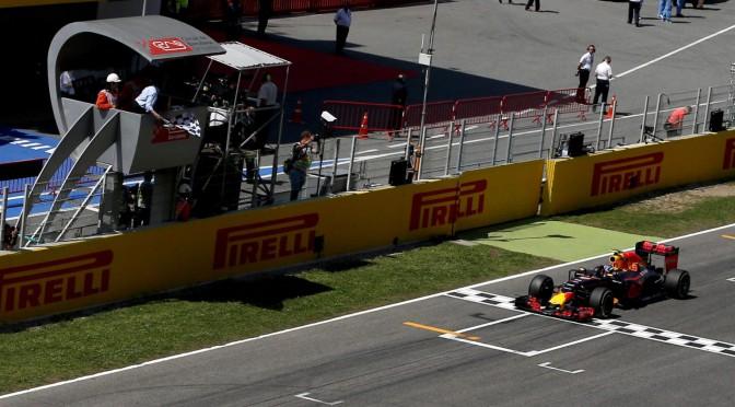 F1 | Max Verstappen al tope de los tiempos en los tests