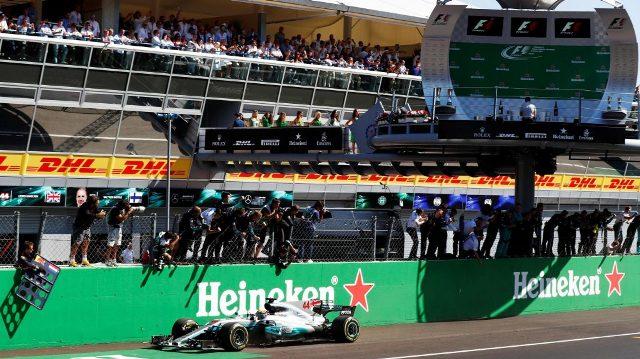 F1 | Italia 2017 | Hamilton llevó de paseo a su Mercedes y logra el 1-2 plateado